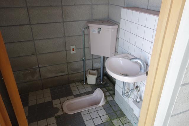 江井海水浴場のトイレ大