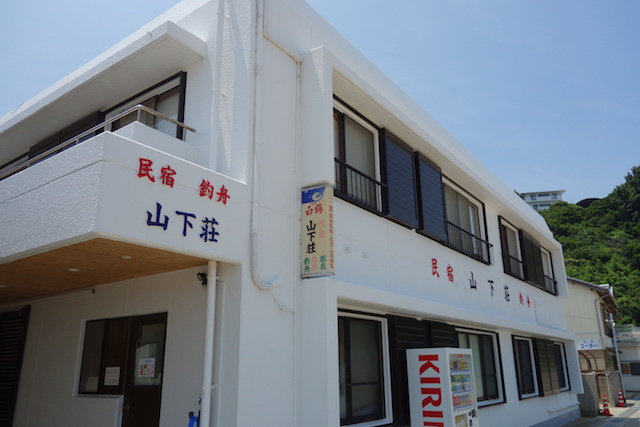 江井海水浴場の脇にある山下荘