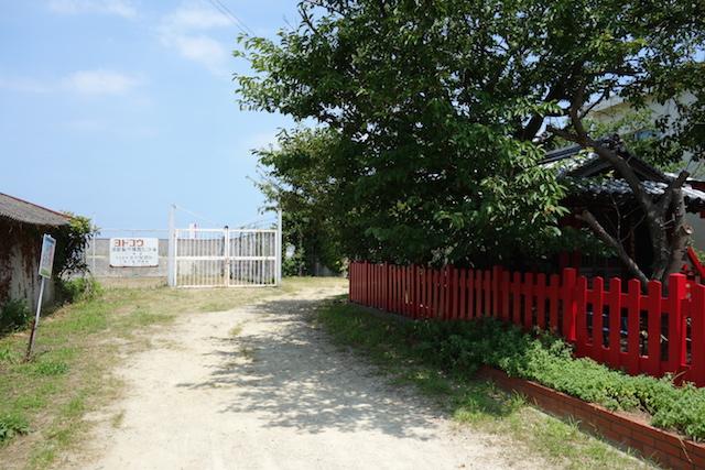 江井海水浴場への行き方(鳥居の横)