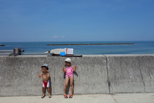 江井海水浴場の子どもたち