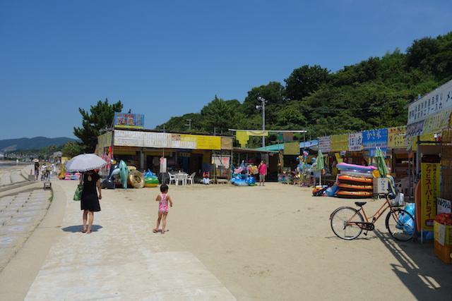 多賀の浜海水浴場の海の家